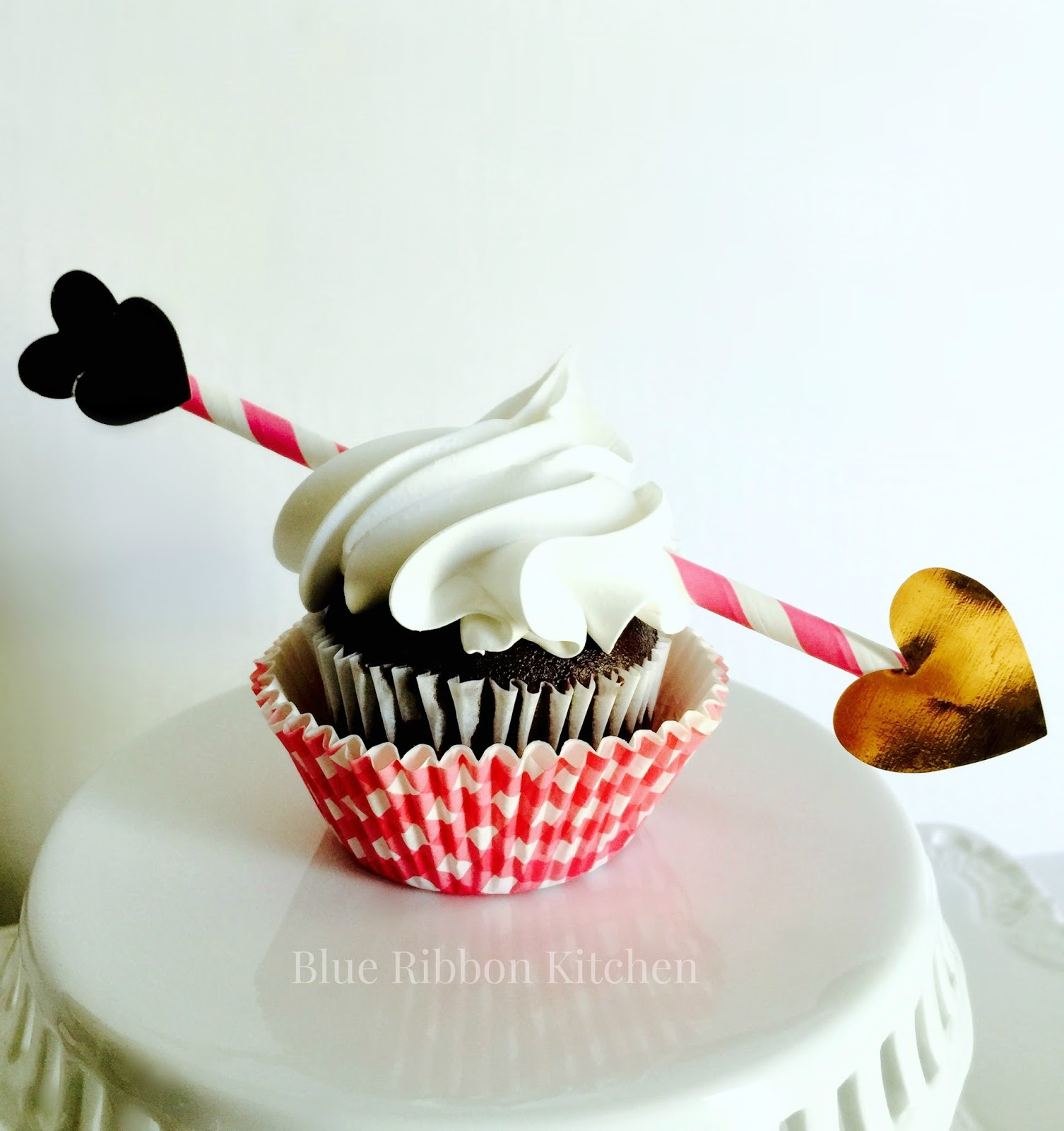 Blue Ribbon Kitchen: Cupid's Arrow Valentine Cupcakes