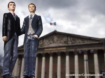 Francia aprueba ley del matrimonio homosexual