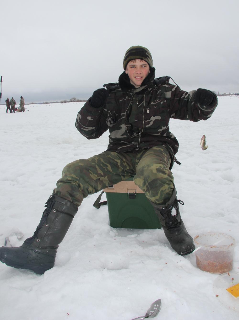 Зимняя рыбалка. Соревнования по ловле на мормышку