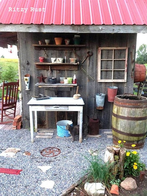 Now this is one little ritzy junk shed.. adorable! By Ritzy Rust, featured on I Love That Junk
