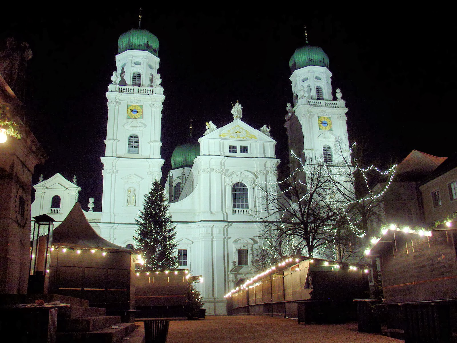 Late one night at Saint Stephan's in Passau, Germany. All photography is the property of EuroTravelogue™ unless noted. Unauthorized use is prohibited.