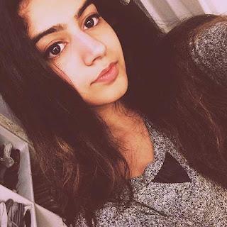 Khushi Kapoor   Daughter of Shri Devi (1).jpg