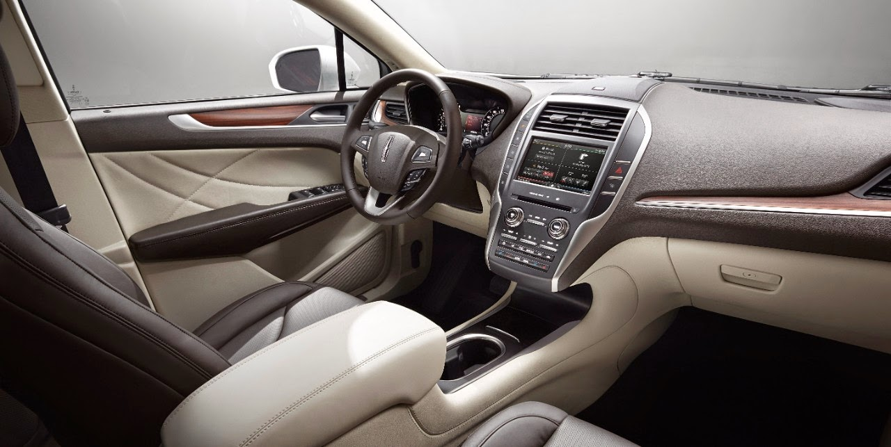 Interior view of 2015 Lincoln MKC