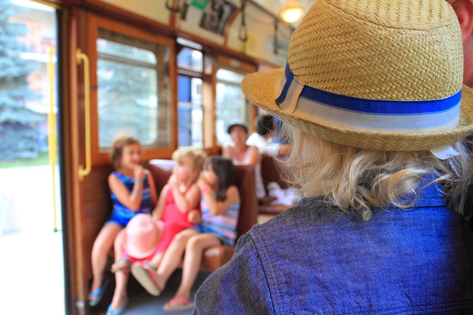 Highlevel Streetcar