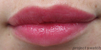 shine caresse lip swatch