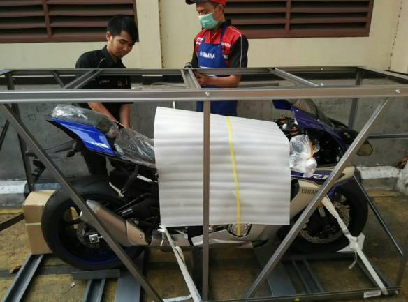 Yamaha R1 akan dikirim ke Lovina Singaraja Bali