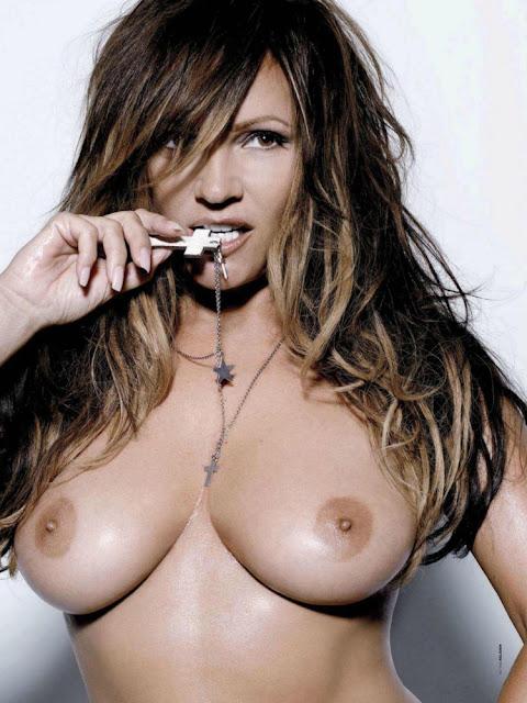 fotos de Tatjana Simic nua na Playboy holanda - Janeiro 1013