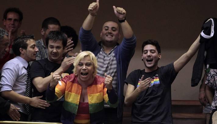 Sessão na Câmara de Deputados começou com polêmica por causa de uma bandeira com as cores do movimento LGBT (Foto: ANDRES STAPFF / REUTERS)