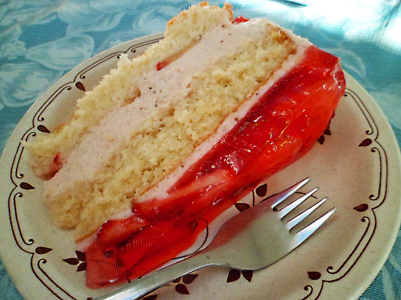 Tashcakes!: Strawberry Mousse Cake- Recipe