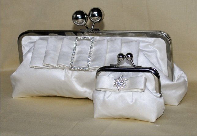 pic4 - ~*~Bridal pouches~*~