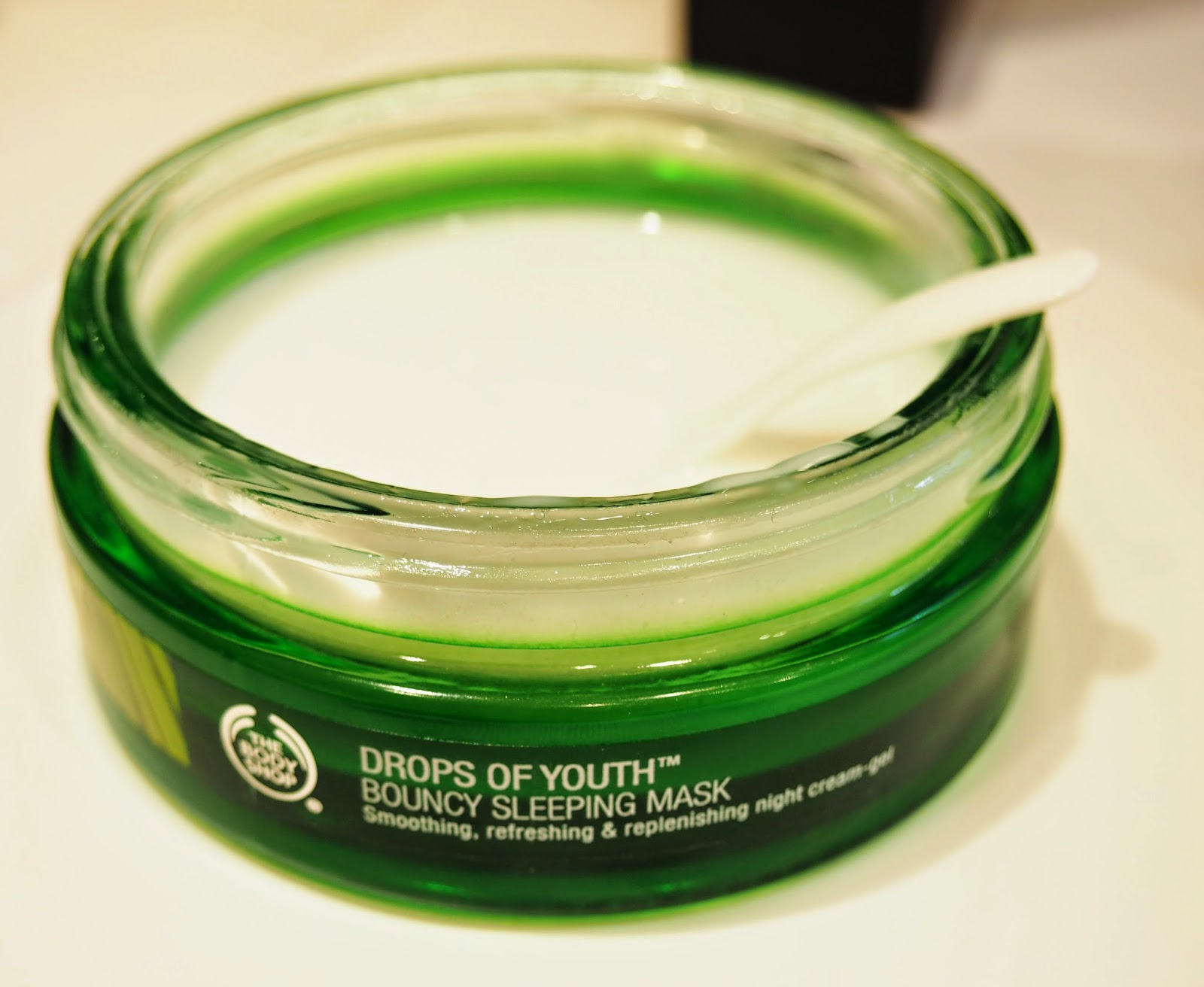 The Body Shop Skincare Drops Of Youth Bouncy Sleeping Mask