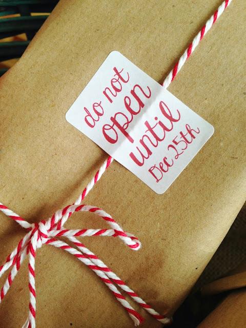 idee natale #4: regali, packaging, sacchi neri. {thelapisu e melissa erboristeria}