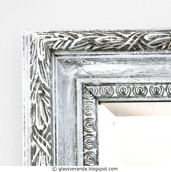 Gjør-det-selv/DIY: Gullfarget speil ble helt nytt med litt maling, før- og etterbilder