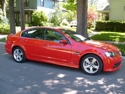 Pontiac G6 in red color
