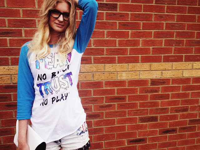 FashionFake, The Pretty Junk, baseball t shirt, casual style, summer style, fashion bloggers, style bloggers, style blog, fashion blog