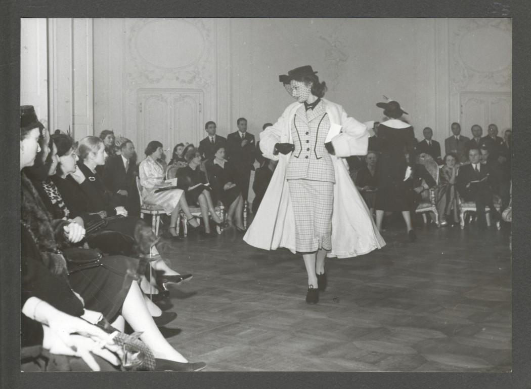 La vie c 39 est chic about la nascita del pr t porter for Liceo di moda milano