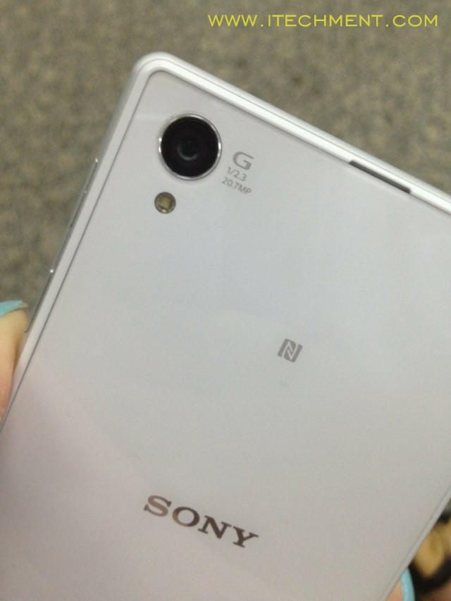 Sony Xperia Honami i10 back cover similar like xperia Z