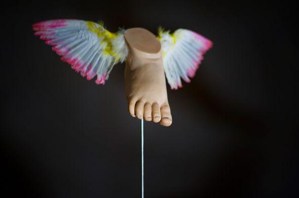 Ângela Lergo esculturas e instalações de arte surreais oníricas Ar