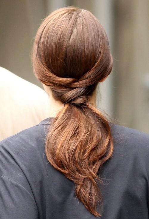 Braided hair tie style