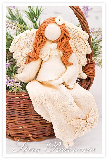 siedzace figurki z masy solnej, salt dough angels, salt dough, salt mass