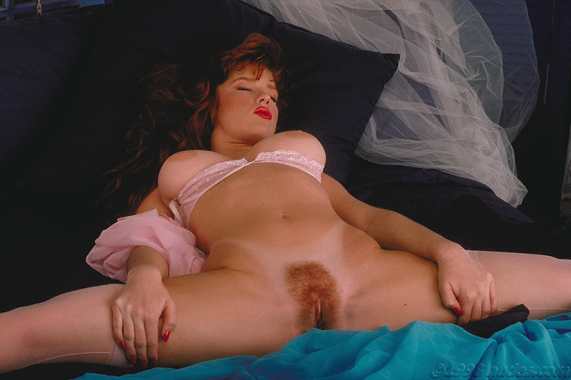 julia bond porn eskimo