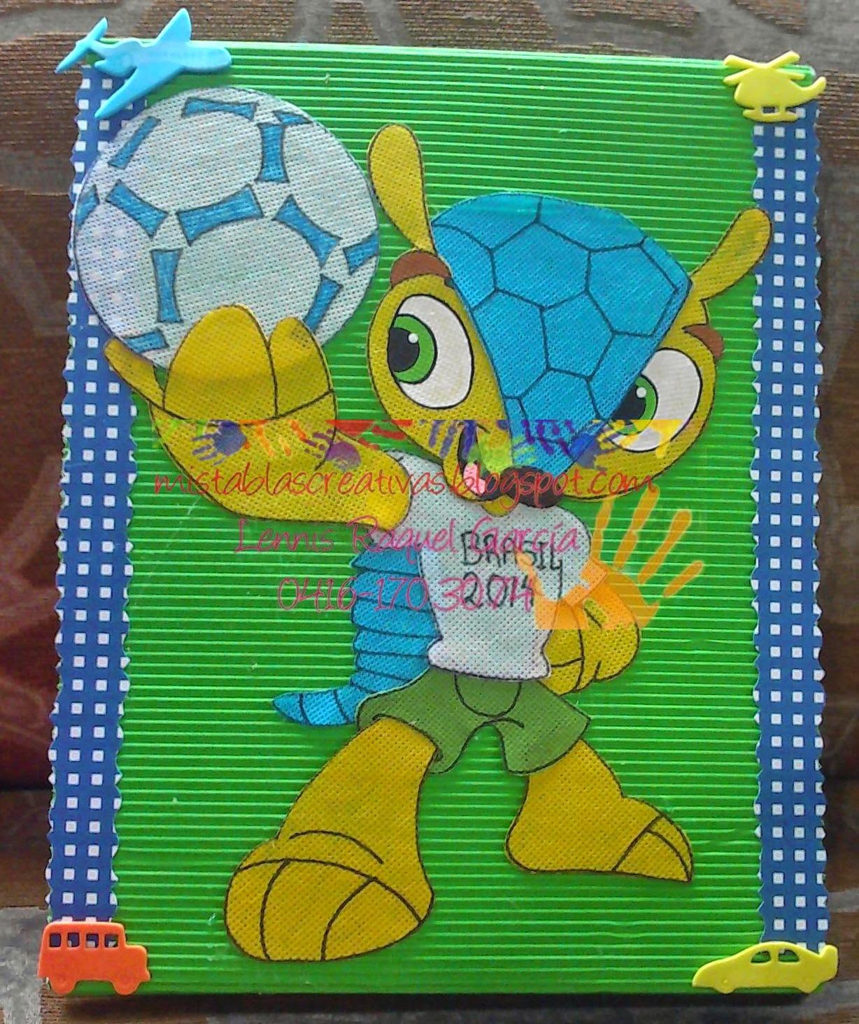 Carpetas decoradas en foamy y material reciclable para - Como decorar un sobre ...