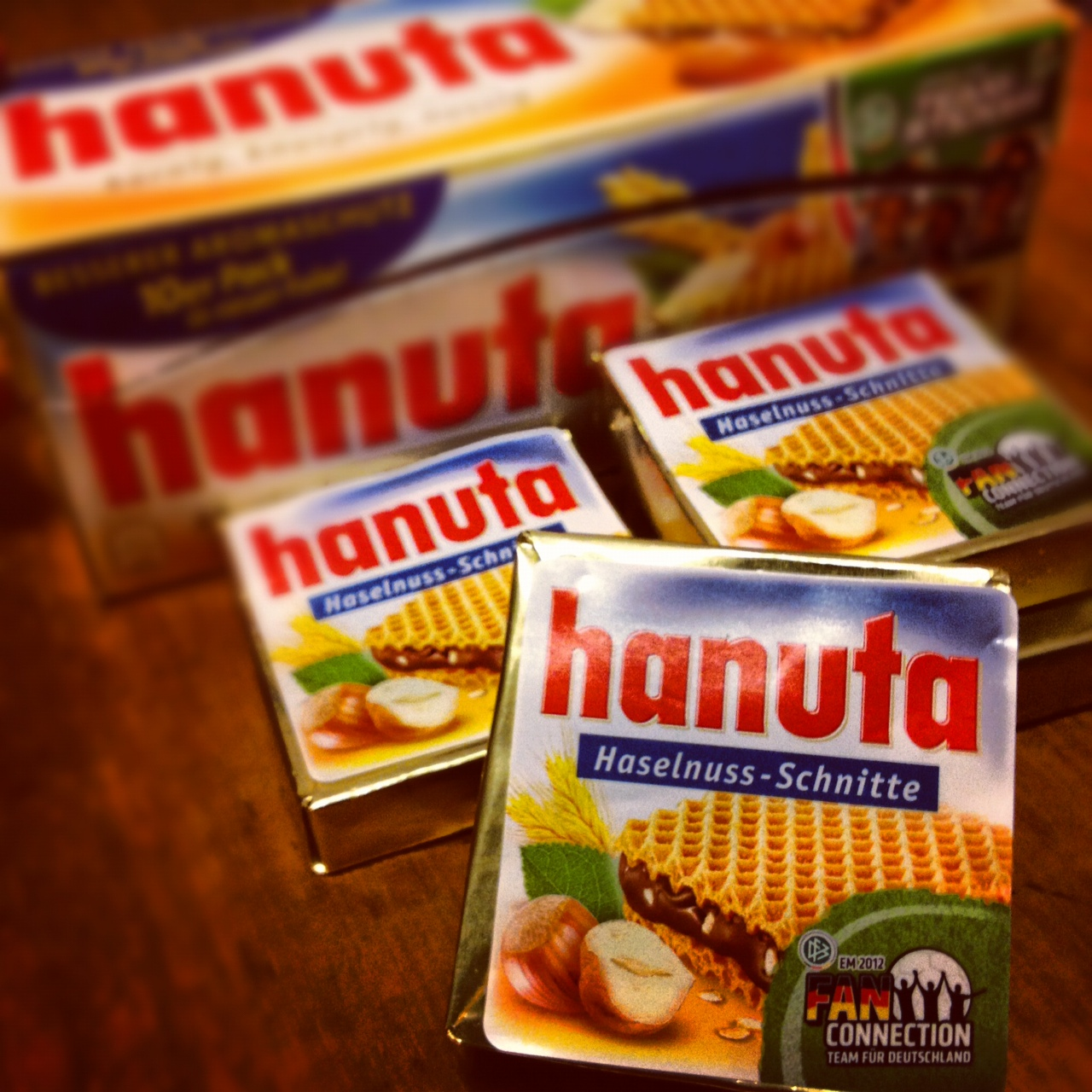 HANUTA FERERO BEST CHOCOLATE WAFER HASELNUSS IN THE WORLD!
