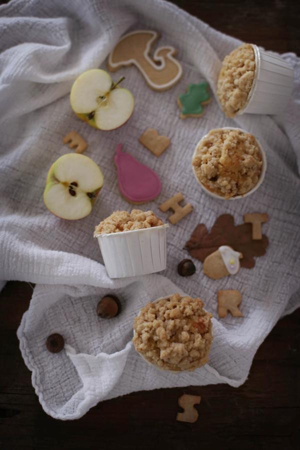 Apfel-Vanille Muffins mit Zimt/Kardamom Streusel und Herbstplätzchen