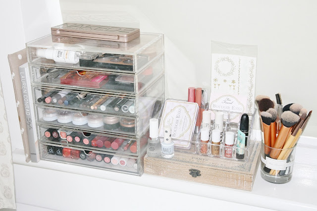 Katherine Penney Chic 2015 Makeup Storage Clean Simple Decor Bedroom Beauty Organisation Brushes Muji Drawers