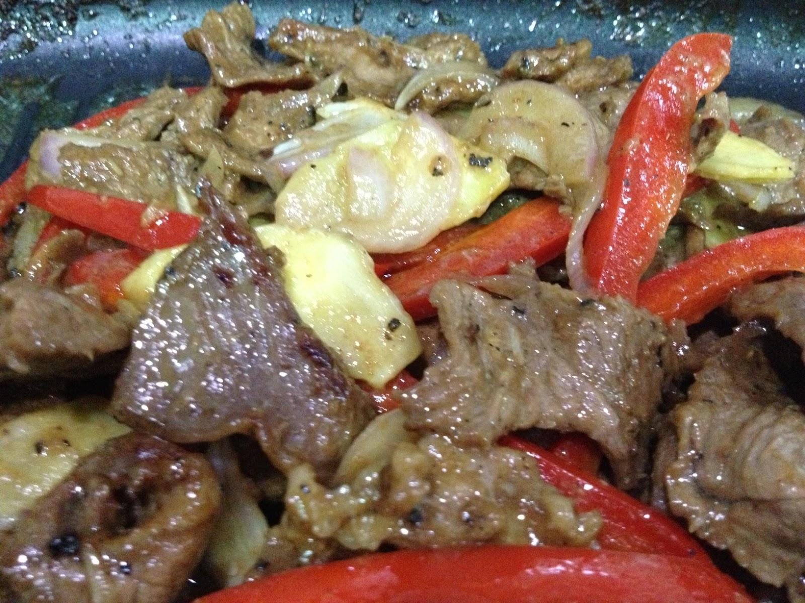 Cik Wan Kitchen: Daging Goreng Lada Hitam dan Halia ...