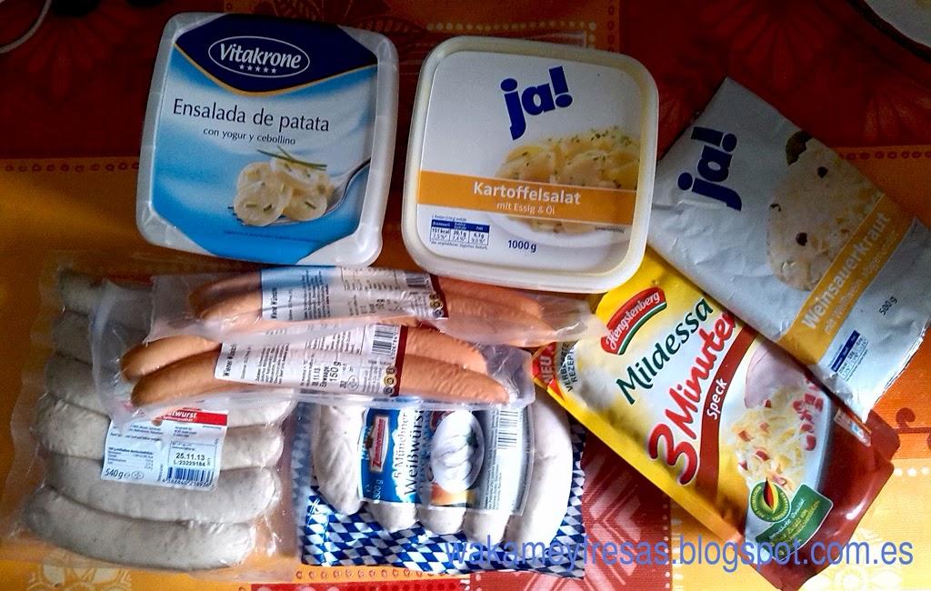 kartoffelsalat con salchichas y weinsauerkraut