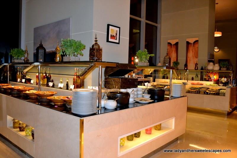 Arabic buffet at Na3Na3 The Address Dubai Mall