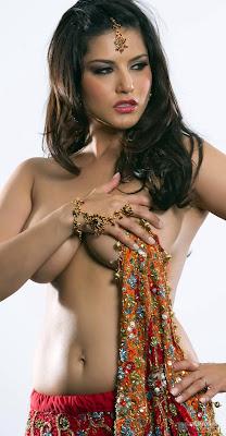 sunny Leone sexy in sari