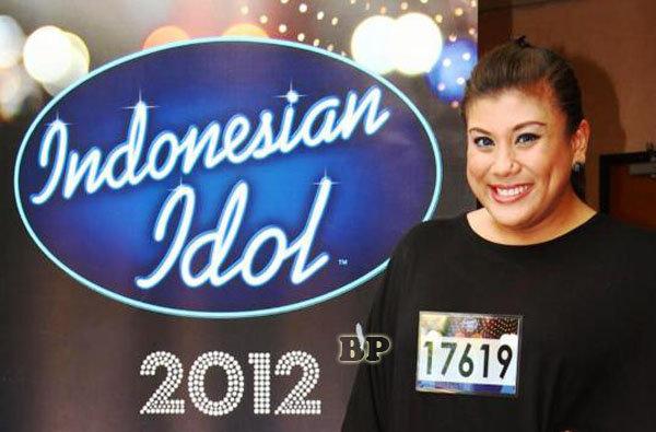 foto-regina-pemenang-indonesian-idol-2012