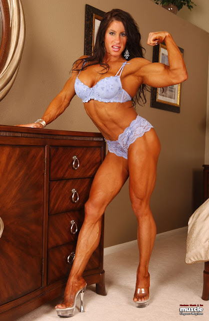 old female bodybuilders clit