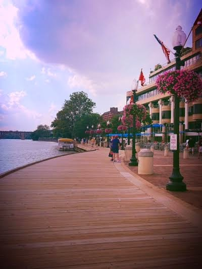 Georgetown, Gerogetown Washington DC riverwalk, river park in Washington DC, Potomac River waterfront, Georgetown walk DC