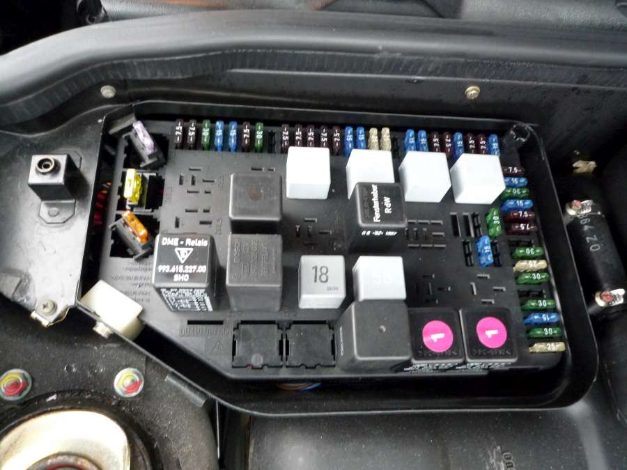 porsche 993 c2s trickle charger porsche 962 then jsut use the in line fuse to bridge from the perm live dme output into the space left empty from the cigar lighter fuse = a perm live cigar lighter