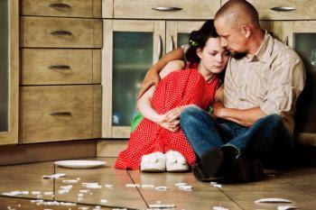 للرجال كيف تتعامل مع زوجتك أثناء فترة حيضها .. ؟؟
