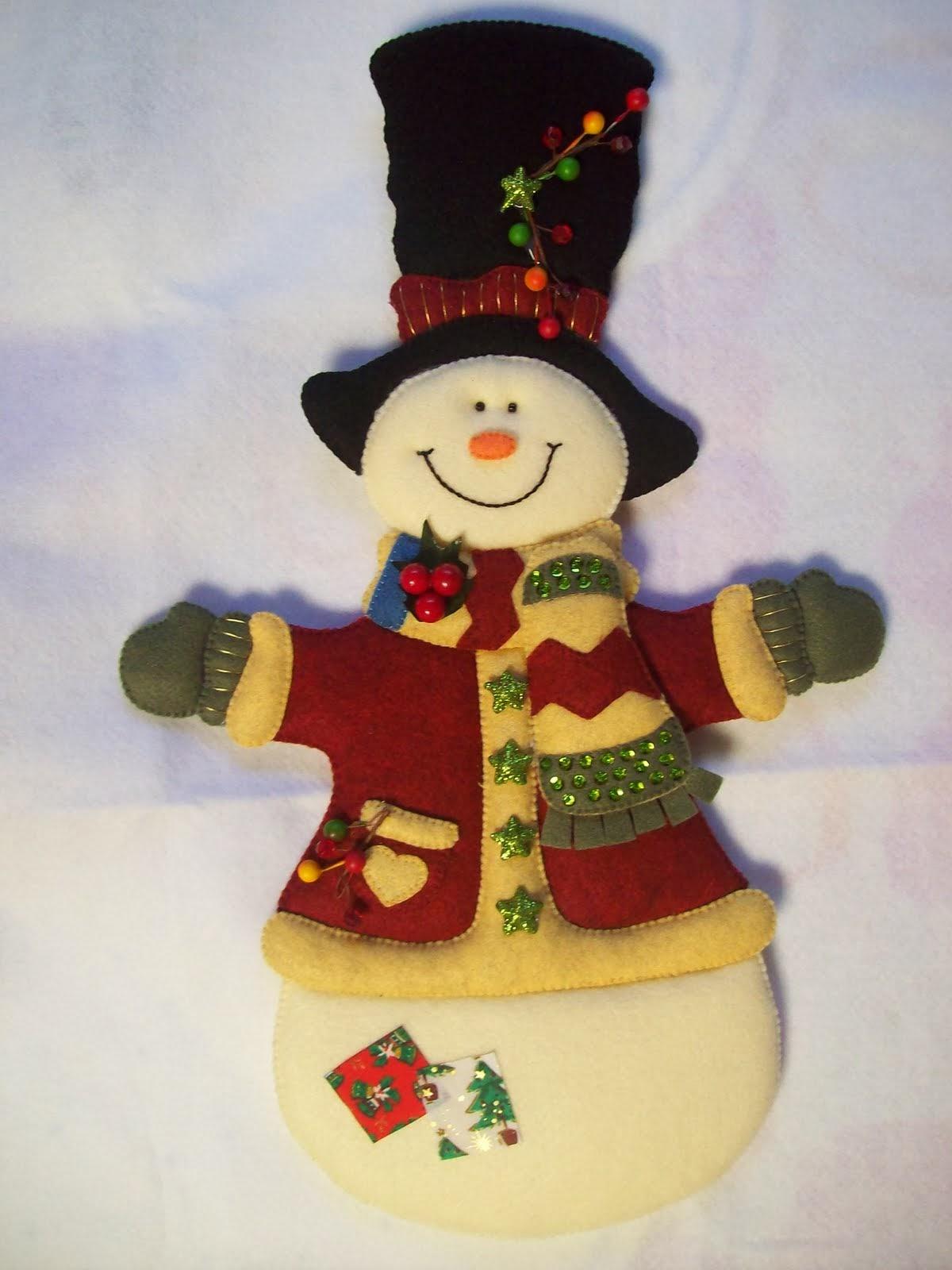 Navidad con patrones mu ecos de nieve navide os - Manualidades en fieltro para navidad ...