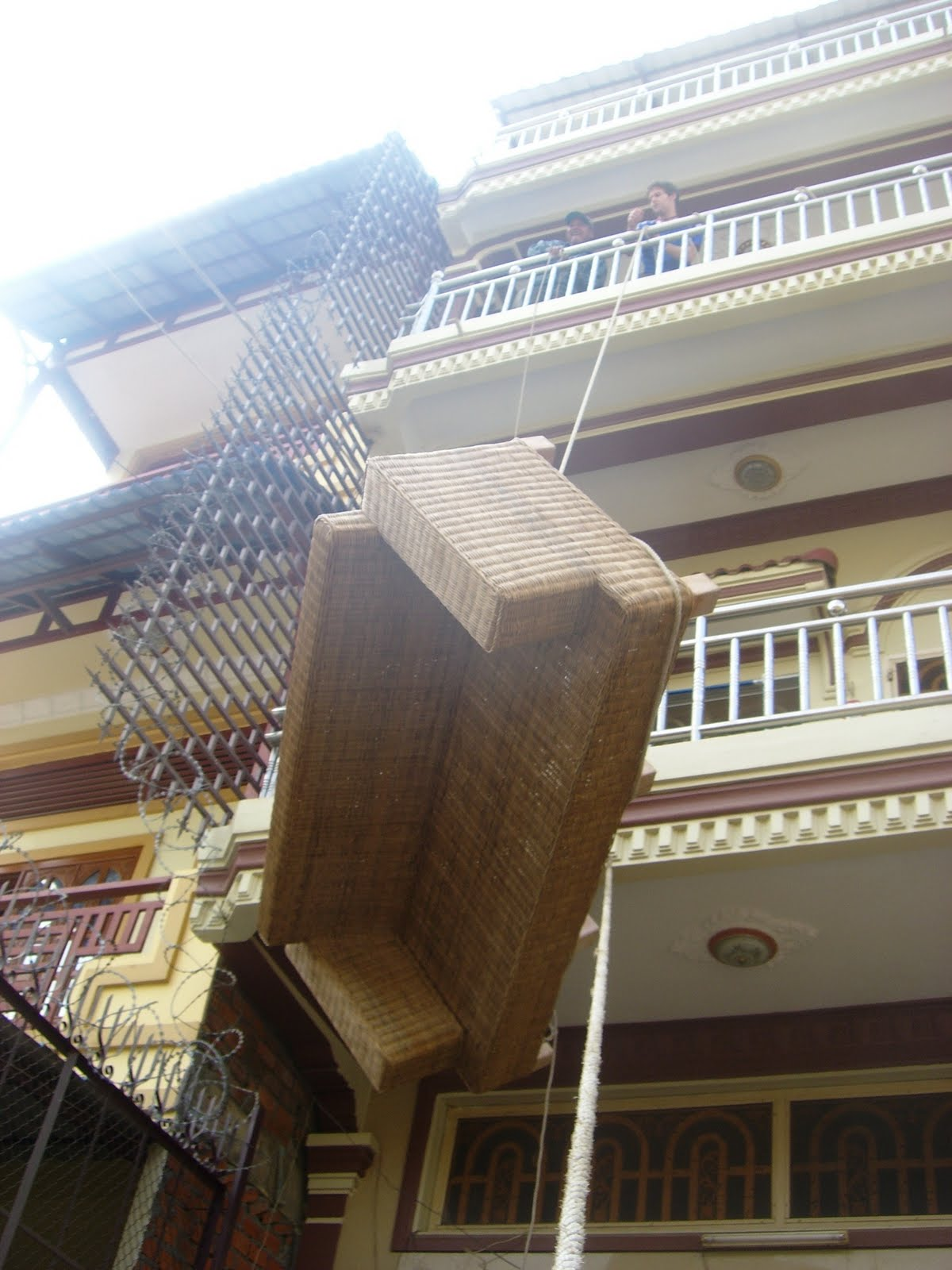 Also Some Images Of Lifting Our Couch To The 3rd Floor Over Balcony Imagine Myself A Small Khmer Moto Driver