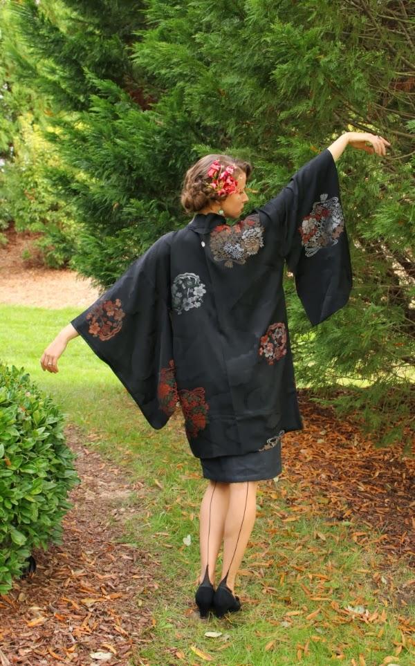 My Vintage Kimono Love Affair #vintage #kimono #midcentury #fashion #lingerie