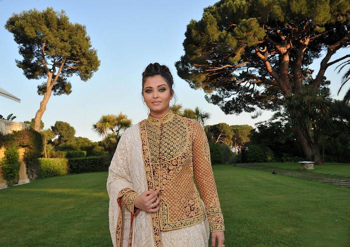 aishwarya rai at cannes film festival 2012 latest photos