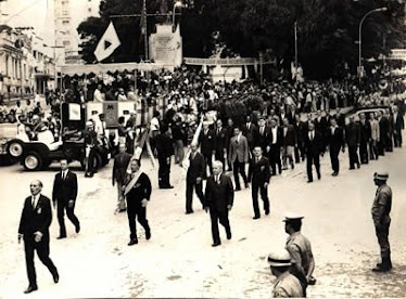 DESFILE 7 DE SETEMBRO 1960 EIS COMBATENTES