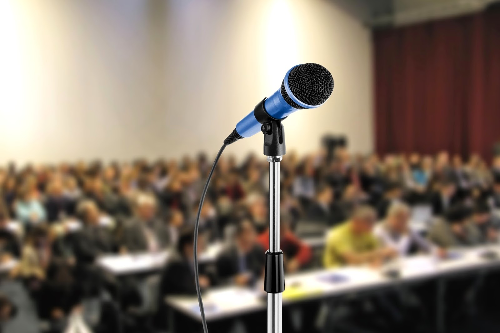 Microphone-In-Conference-Image