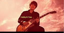 Jongshin with guitar