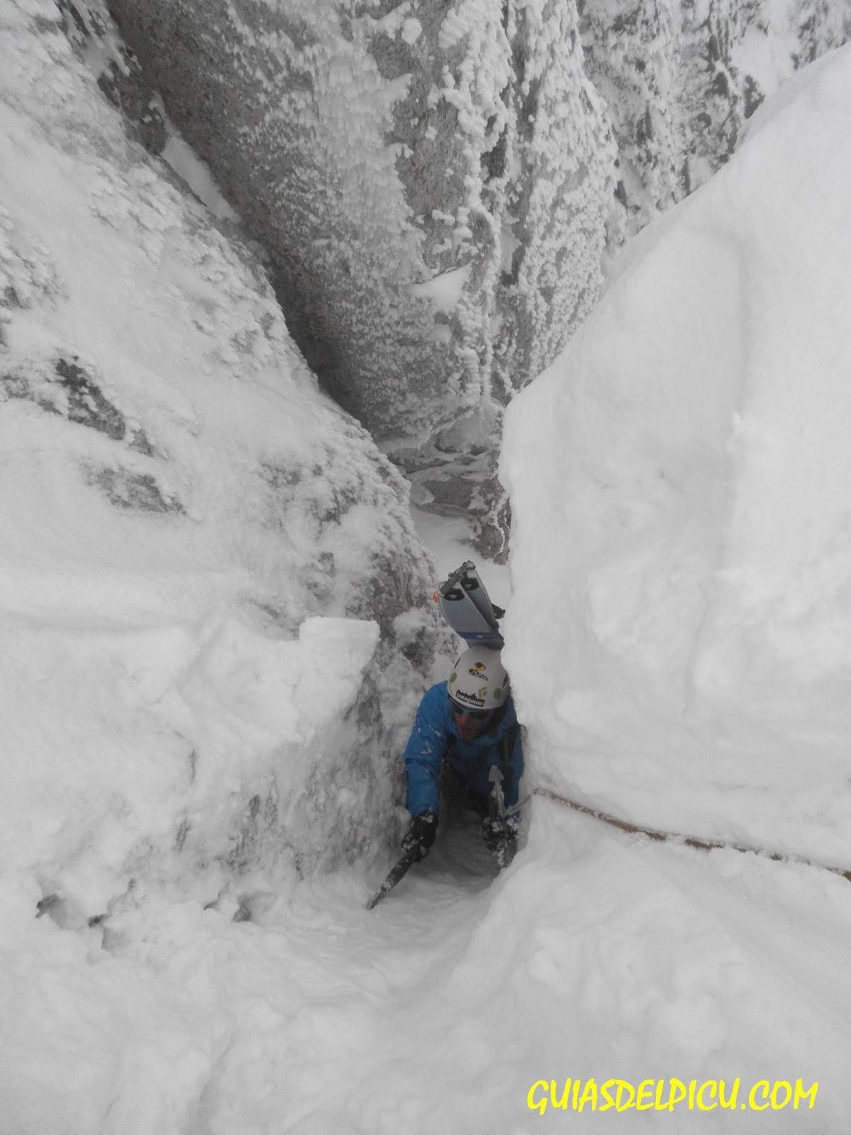 Guias de montaña especialistas en escaladas en el macizo de Ubiña , guiasdelpicu.com