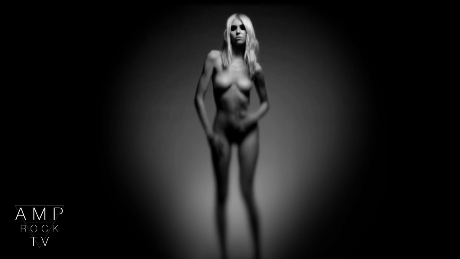 Nude uncensored momsen taylor