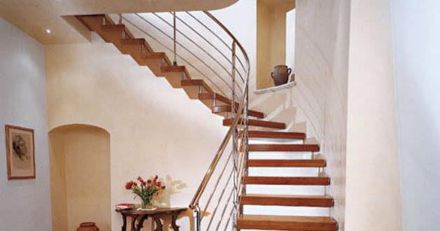 Escaleras de madera carpintero en almer a profesionales for Escaleras profesionales