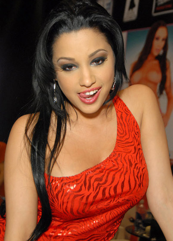 A Look at Gorgeous New Adult Star Abella Anderson