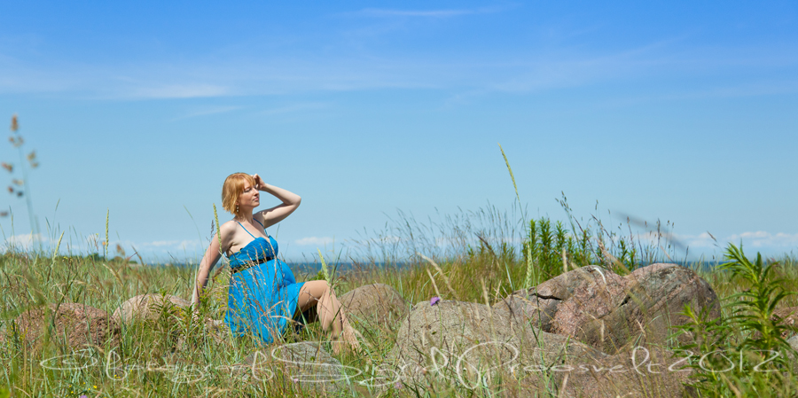 lapseootel-naine-pildistamine-rannas